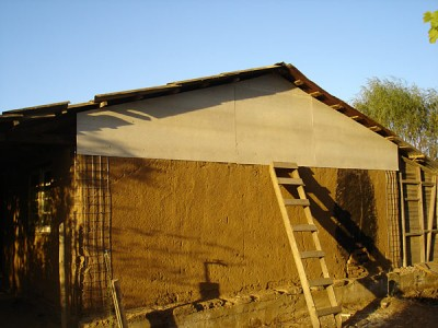 am Dachstuhl angebrachte Ethernitplatten